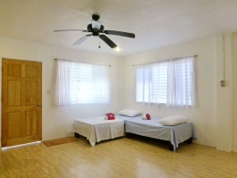 Barkada Room II