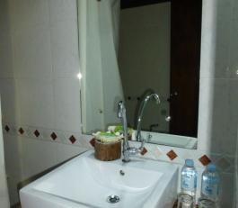 sinamay bathroom 2